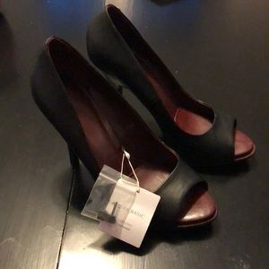 Zara Basics Black Open Toed Pumps. Size 7 1/2